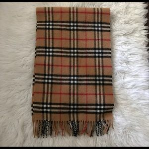 Authentic Burberry Nova Check Lambswool Scarf.
